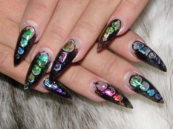 дизайн нарощенных острых ногтей: