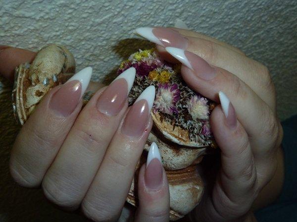 Маникюр ногтей самые простые в домашних условиях