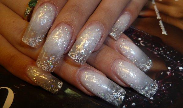Фото дизайн ногтей с наклейками