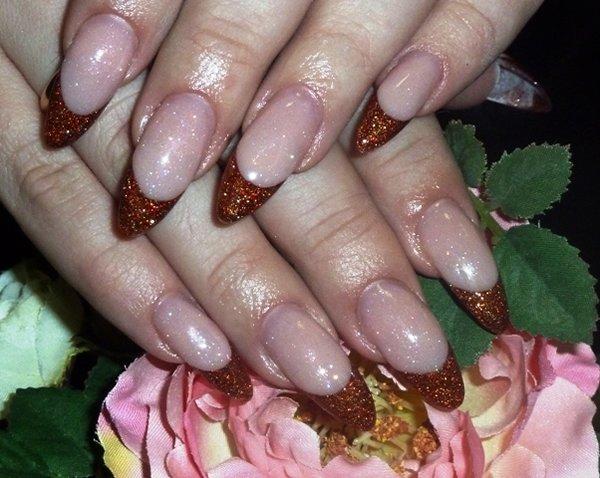 Фото дизайна на ногтях акриловыми красками