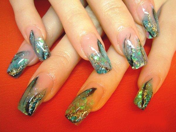 Аквариум на длинных ногтях